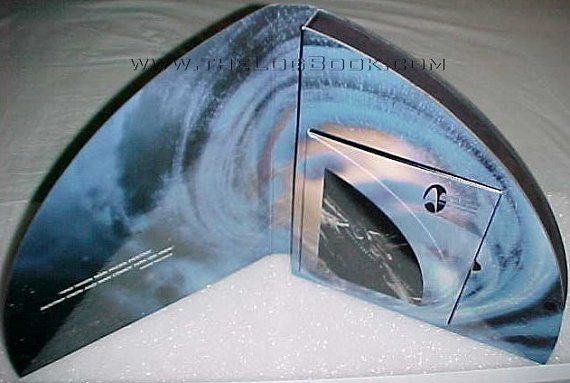 Star Trek: DS9 Final Chapter kit case - photo copyright 1999 Earl Green / theLogBook.com
