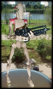 Star Wars Battle Droid Scout figure - photo copyright 2000 Earl Green / theLogBook.com