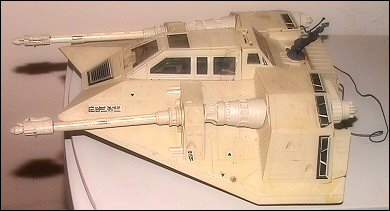 http://www.thelogbook.com/toy/snowspeeder/The Empire Strikes Back Snowspeeder - photos copyright 2006 Earl Green / theLogBook.com; special thanks to Andrew Wester